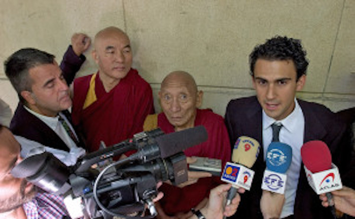 (From left to right) Alan Cantos, Director of Comite de Apoyo al Tibet (CAT) and international coordinator of the Tibet case in the Spanish court, Thubten Wangchen, Tibetan Parliamentarian and plaintiff in the Tibet law suits, Palden Gyatso, who bore witness in the cases following 33 years in prisons and labor camps in Tibet, and Jose Elias Esteve Molto, international lawyer, Tibet legal expert and main lawyer who researched and drafted the Tibet case in the Spanish court.