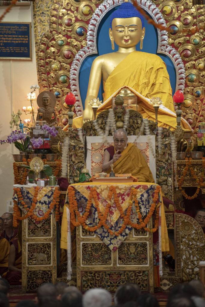 His Holiness the Dalai Lama explaining his four principal commitments to the devotees. Photo/Tenzin Jigme/CTA