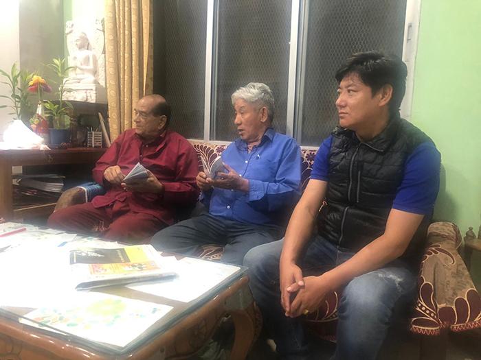 Parliamentarians Ngawang Tharpo and Dawa Tsering with Dr. Harish Sankrityayan, the President of World Buddha Foundation. Photo/Tibetan parliamentary secretariat