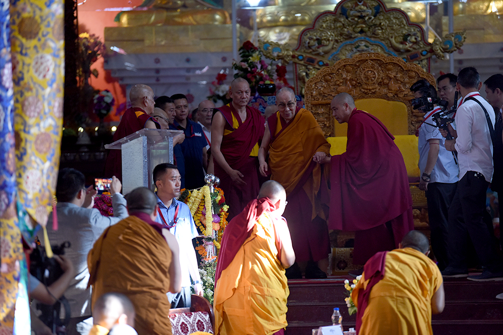 His Holiness the Dalai Lama arriving at the inaugural ceremony of the Symposium on Aryadeva's '400 Stanzas on the Middle Way'. Photo/ Tenzin Jigme