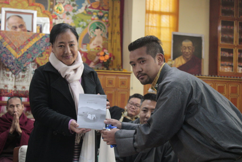 Kalon Dr Pema Yangchen, Department of Education presenting the Graduates with a token of appreciation at the ceremony.