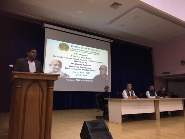 Dr Shivendra Prasad addressing the event as Master of Ceremony. Photo/ ITCO, Delhi