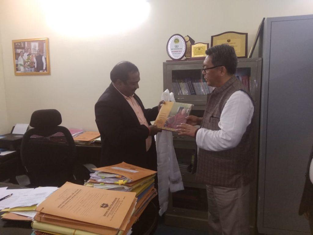 ITCO Coordinator greeting Prof. S. L. Harikumar, Registrar. Photo/ ITCO, Delhi
