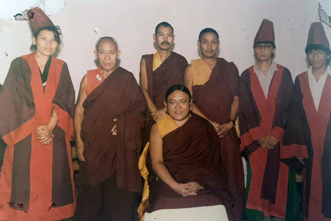 A group photo with Sakya Trizin Ngawang Kunga during the graduation ceremony (Shastri Degree) at (CIHTS), Varanasi, 1993.